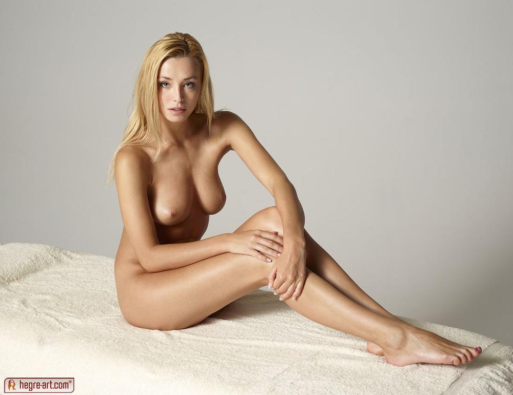 http://content.cdn.mpxgirls.com/303/90183/a252072f626b6f663321fe793c66cdfb/01.jpg
