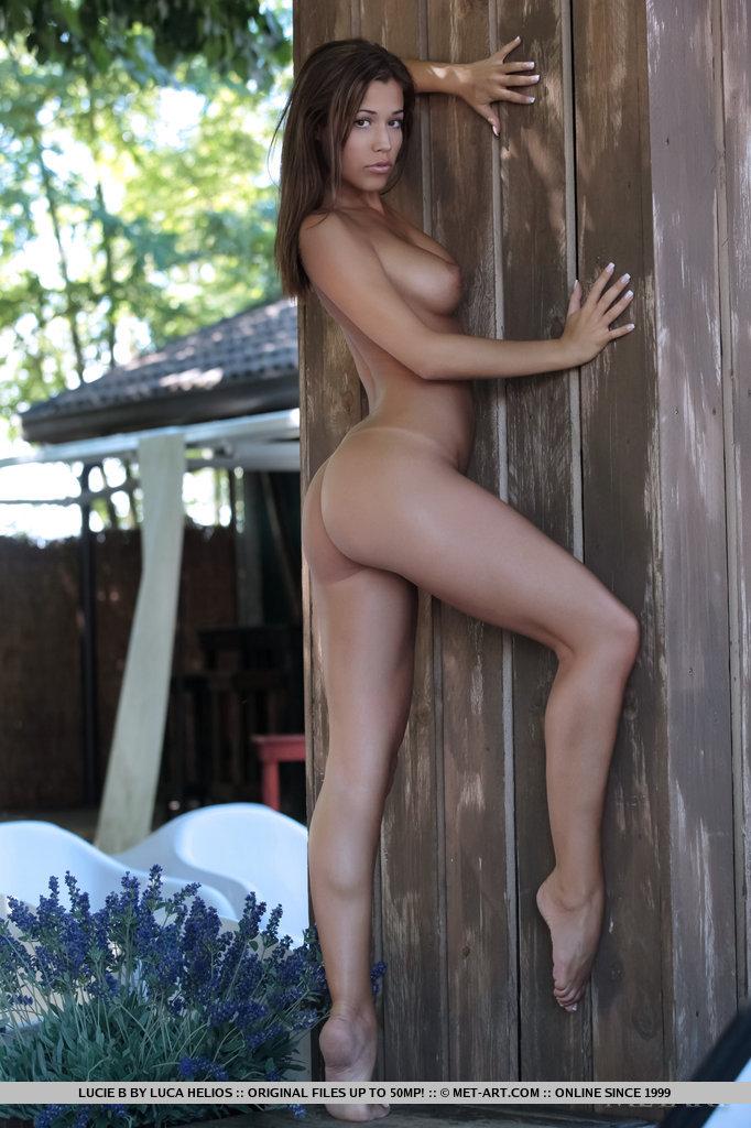 http://content.cdn.mpxgirls.com/382/95428/6307de32c0388ce4cf5c1026b252c810/07.jpg