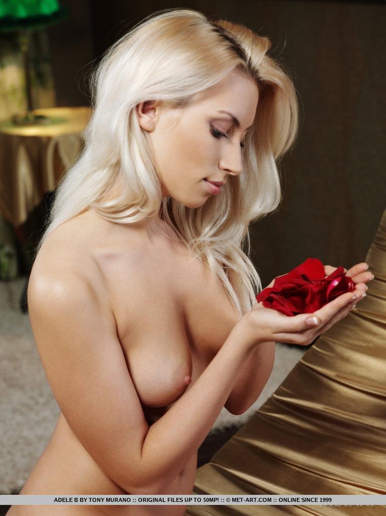 http://content.cdn.mpxgirls.com/382/95438/933208c94da0a908209d21fd33ce9f91/18.jpg