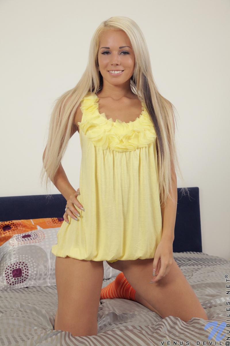 http://content.cdn.mpxgirls.com/95/90311/d65004b8be2970ac30831db0dd316846/01.jpg